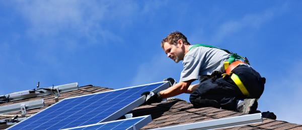 Energetische Sanierung: Dämmung & Co. fördern lassen und richtig versichern